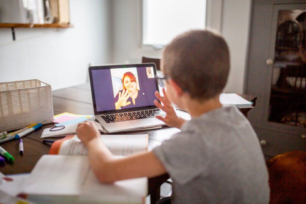 Effective Hybrid Teaching